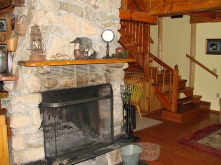 livingroom fireplace 001